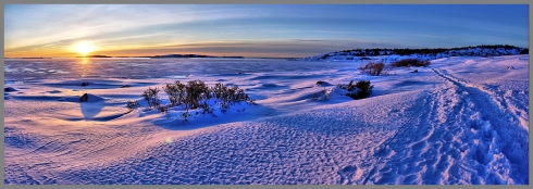 Boy, it sure is gorgeous over in snowy Oslofjord ... but I still don't want to die there. (By Walter_S, Steve's Digicams)